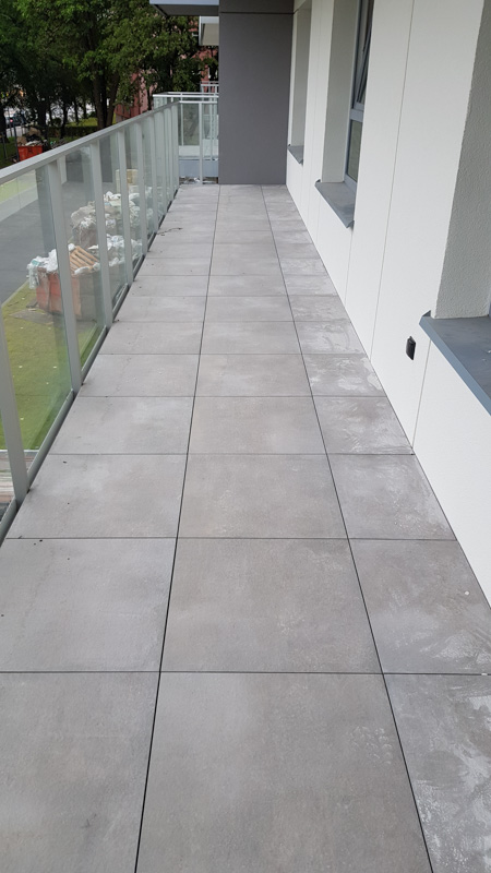 concrete tiles for the ventilated terrace to the balcony