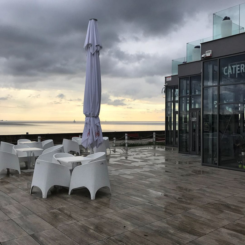 restaurant ventilated terrace with ceramic patio tiles