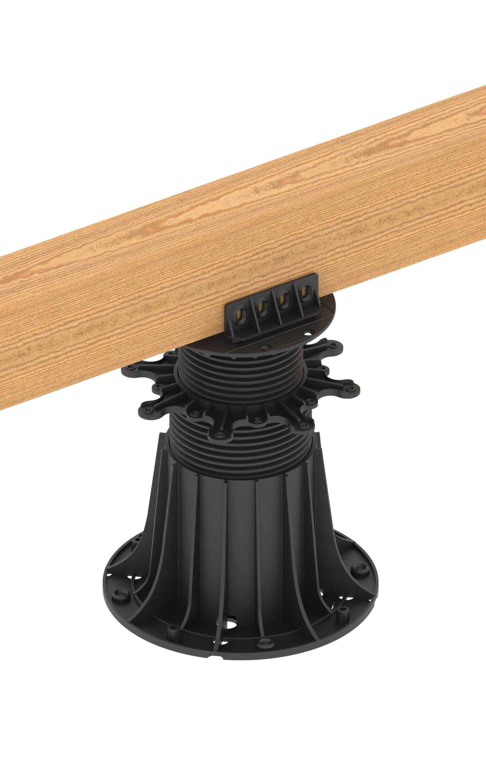 Drewniany legar tarasowy przymocowany do wspornika poziomującego