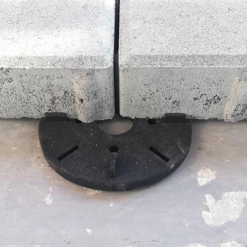 płyty betonowe nagumowych podkładkach tarasowych