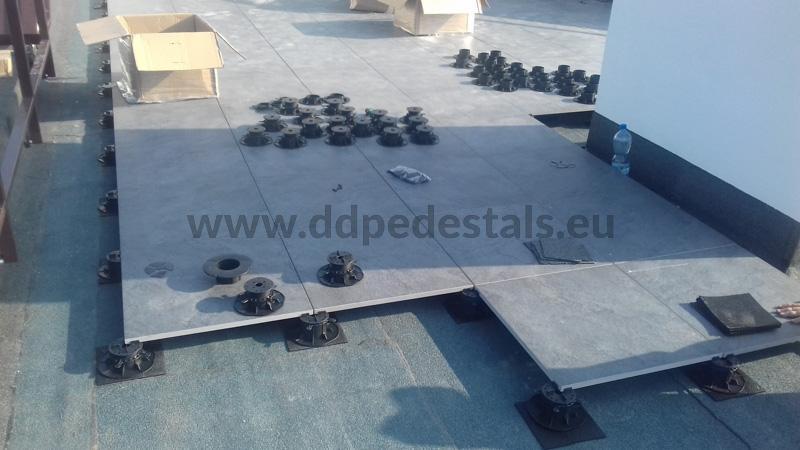 terrace ceramic tiles on adjustable pedestals