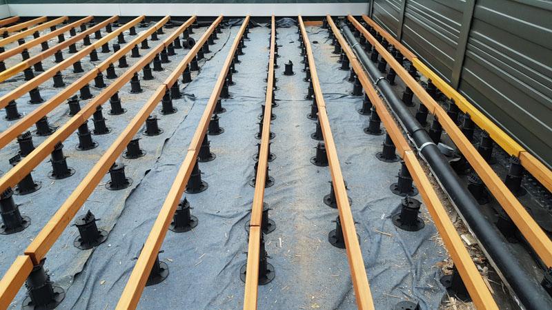 wspornik tarasowy poziomujący podlegary drewniane