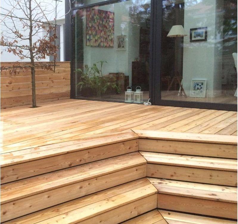 taras drewniany nawspornikach regulowanych