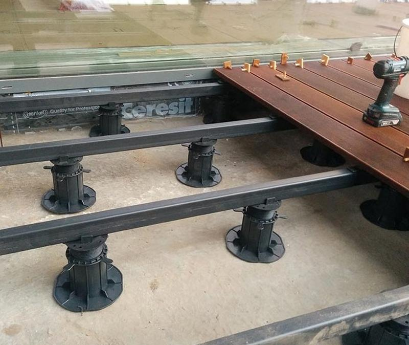 terrace adjustable pedestals under wooden terrace on joists