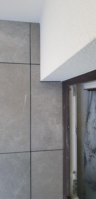 raised terrace on adjustable pedestals made byceramic tiles 2 cm
