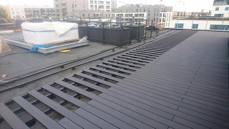 composite boards on ventilated terrace and on adjustable pedestals