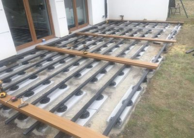 ventilated terrace in the garden with terrace adjustable pedestals
