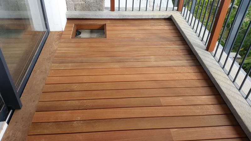 terrace adjustable pedestals under wooden deck