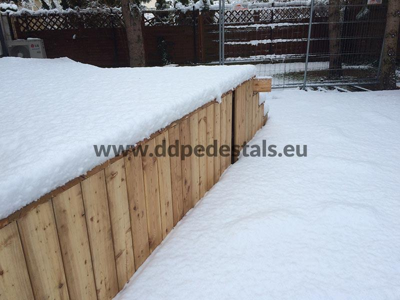 raised, ventilated terrace on adjustable pedestals- winter