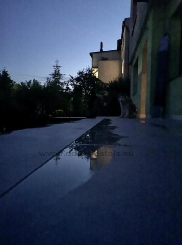zalega woda natarasie zpłyt ceramicznych 2 cm