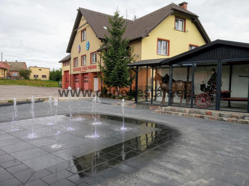 Doppelboden Terrassen-beluftete Terrassen-Wasserbrunnen.