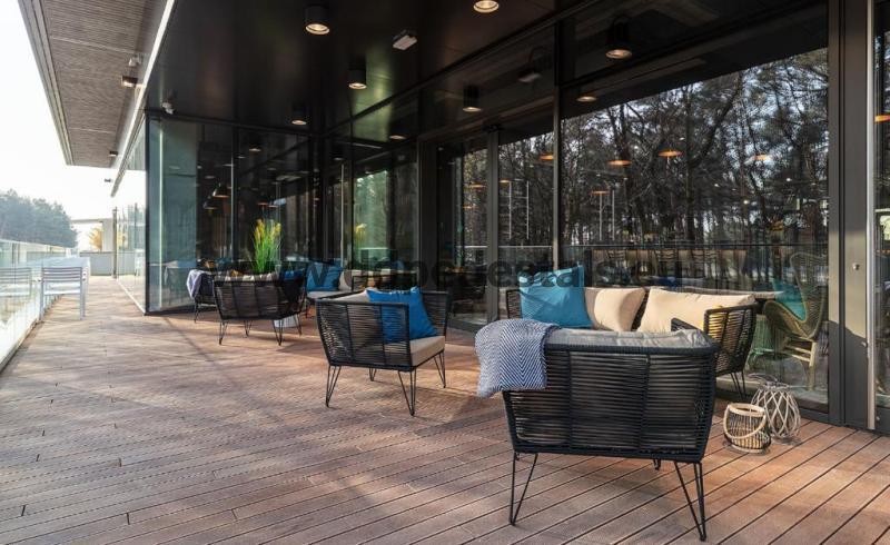 raised, ventilated terrace on adjustable pedestals- autumn