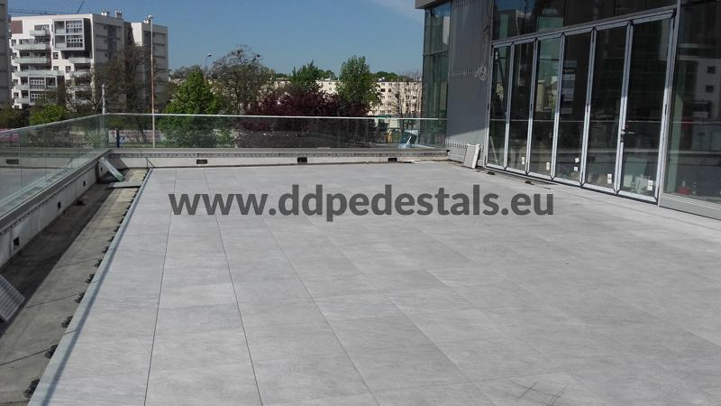 raised ventilated terrace on adjustable pedestals - public spaces - public area
