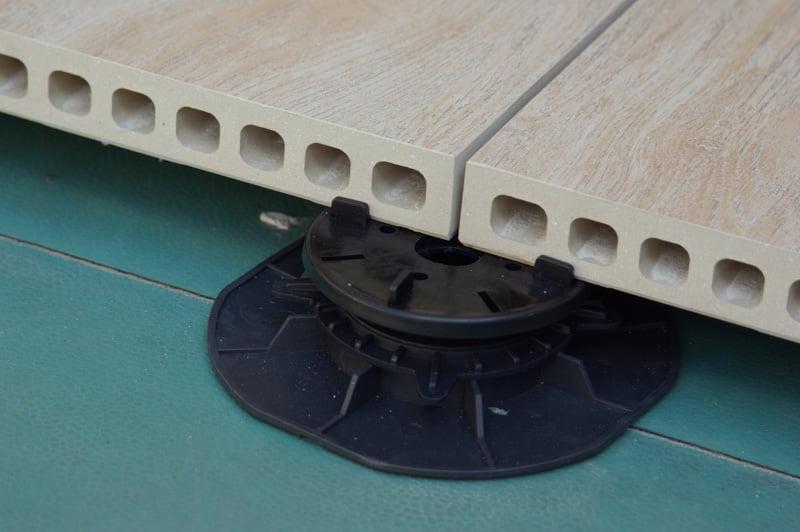gap spacers between ceramic tiles