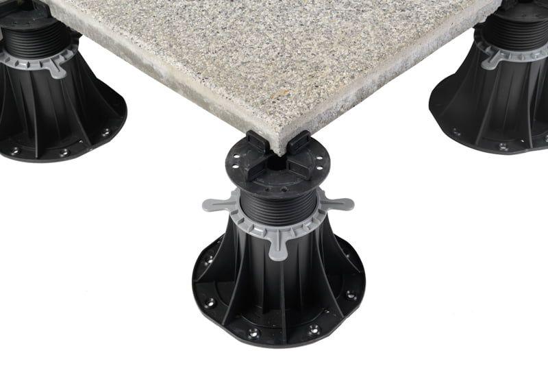 taras wentylowany zpłyt betonowych nawspornikach poziomujących