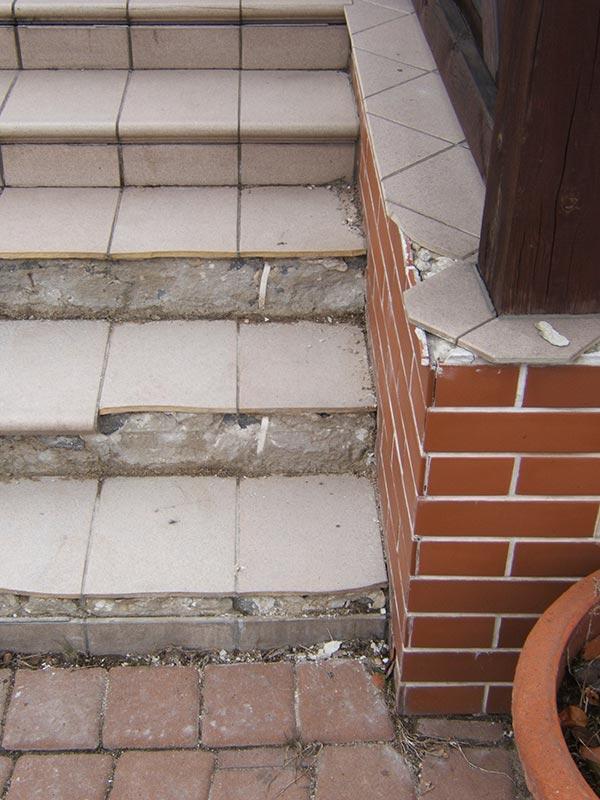 detachable tiles from the terrace slab floor