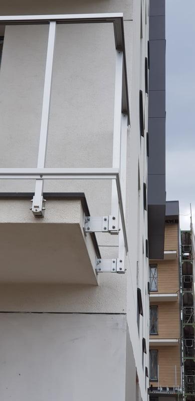 balustrada montowana do płyty stropowej