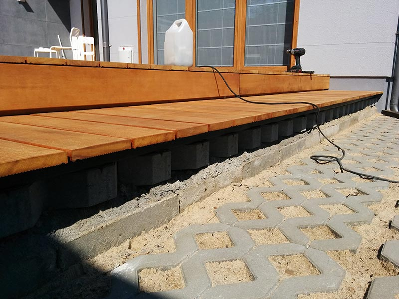 terrace adjustable pedestals can be placed on the openwork slabs