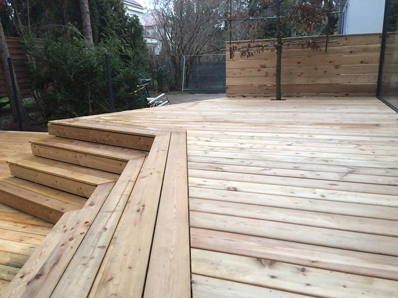larch boards on the ventilated terrace natural softwood boards