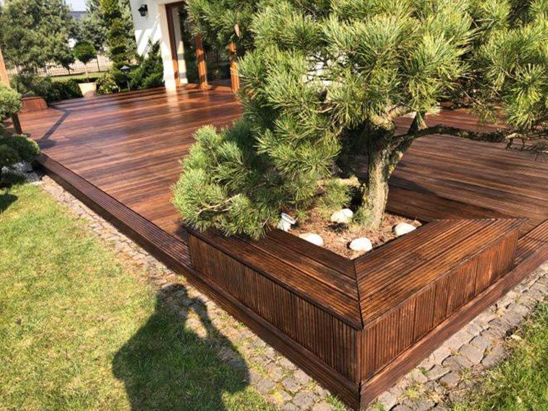 pot de terrasse en bois exotique en planches de bois exotiques