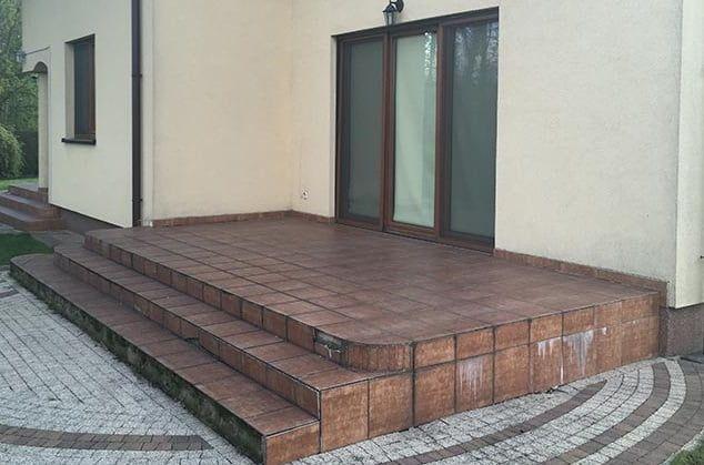 damaged stoneware terrace