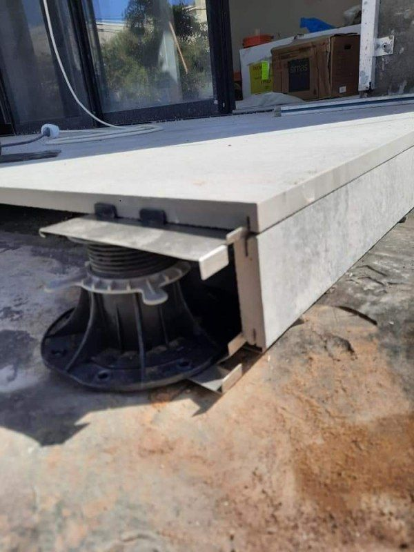 terrace covers the terrace substructure on adjustable terrace pedestals
