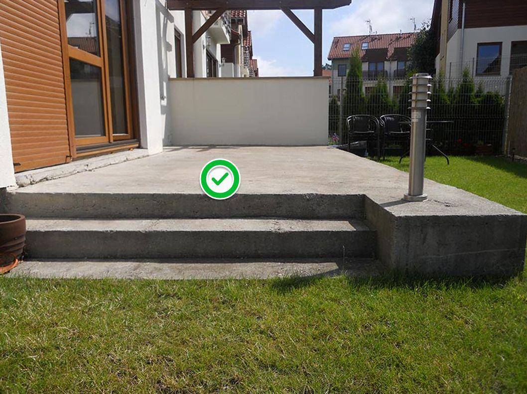 guter, stabiler Untergrund für die Terrasse auf Stelzlager