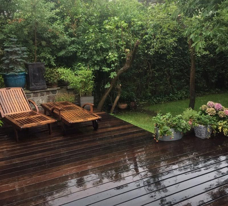 terrasse de jardin en planches sur plots réglables